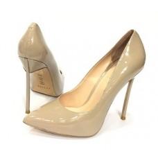 Женские бежевые лаковые туфли лодочки Casadei