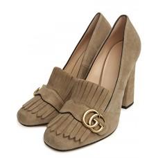 Женские замшевые туфли Gucci Marmont бежевые с пряжкой