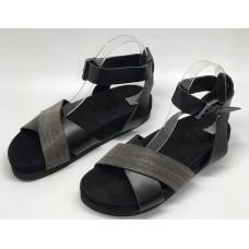 Женские замшевые сандалии Brunello Cucinelli черные с серебристым украшением